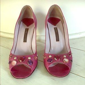 Marc Jacobs Embellished Peep-Toe- Pumps